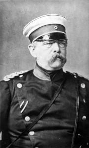 Otto von Bismarck (1815-1898) var en av 1800-tallets mest sentrale politikere. Han var en viktig drivkraft bak Preussens rolle i den tyske samlingen og Tysklands første Kansler. Han har også fått æren av å innføre sosiale arbeiderreformer som la grunnlaget for en tidlig moderne velferdsstat. Bilde: CC 3.0: Tyske Bundesarchiv, Bilde 183-R29818 / CC-BY-SA