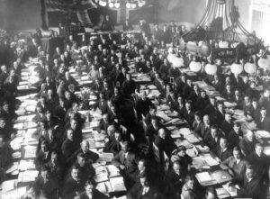 DNA splittes i 1923 - Norges kommunistiske parti dannes