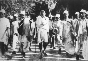 Gandhi under saltmarsjen 1930