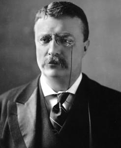 Den amerikanske presidenten Theodore Roosevelt (1858-1919) ble i 1906 tildelt Nobels fredspris for sin rolle i fredsforhandlingene mellom Russland og Japan under den Russisk-japanske krigen. Utdelingen er en av de mest kontroversielle i Nobelprisens historie da Roosevelt selv vært en aktiv tilhenger av krigen mot Spania som gjorde USA til en imperialiststat i 1898. Nobelkomiteen ble også anklaget for å gi prisen til en amerikansk president for å skaffe landet en ny mektig venn.