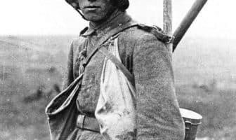 En ung tysk soldat ved Somme. Bundesarchiv Bilde 183-R05148 / Wikimedia Commons